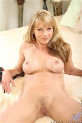 CLICK HERE FOR MORE MATURE WOMEN