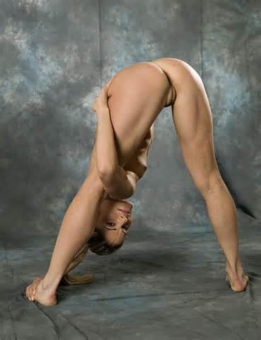 naked girl surprised
